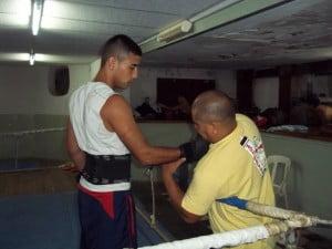 """El """"Chino"""" Verón, en plena preparación antes de la pelea"""