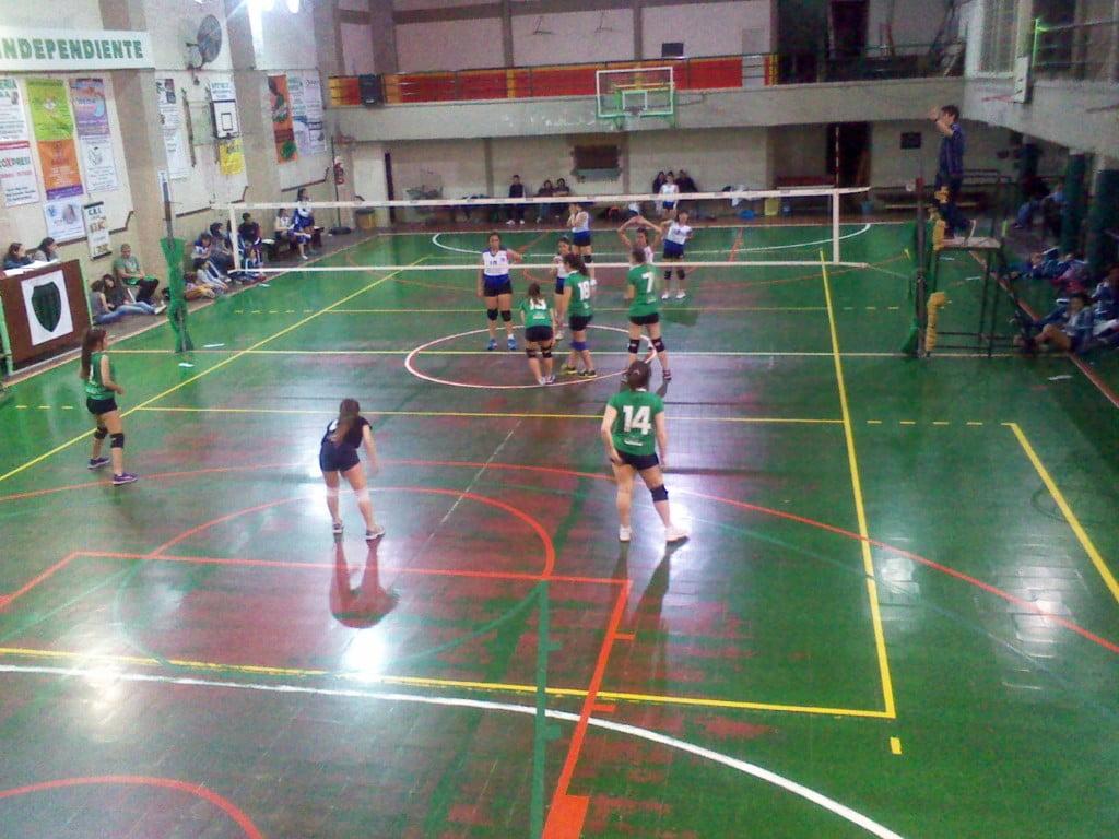 Inferiores de voleibol al día y con grandes resultados