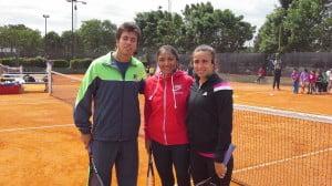 Charly Berlocq, Paola Suarez y Paula Ormaechea previo al inicio de la actividad