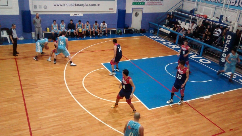 """Sportivo """"B"""" se quedó con el primer juego de la serie ante Arenal"""
