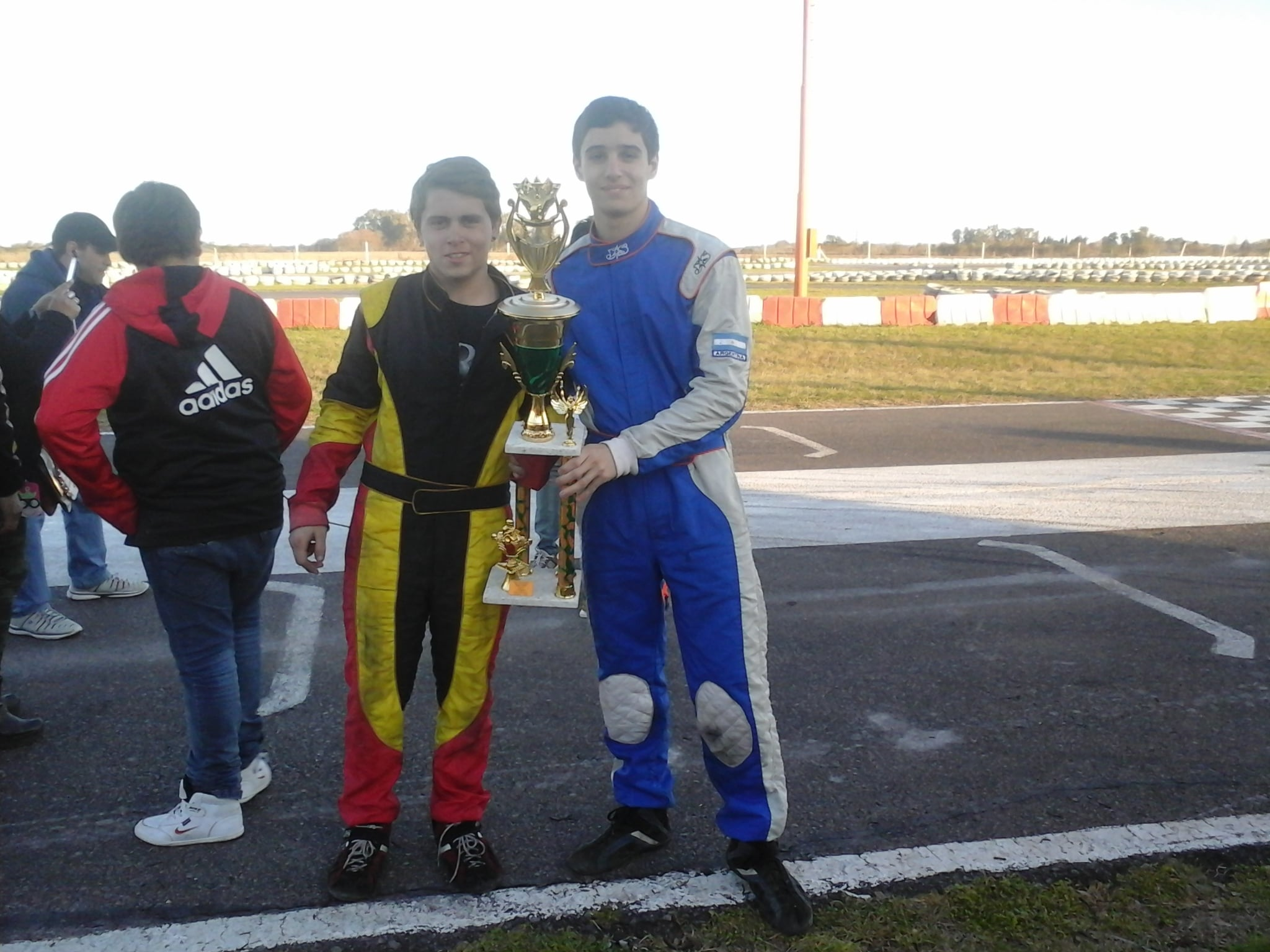 Lucas Monroy - Nicolas Martin carrera con invitados