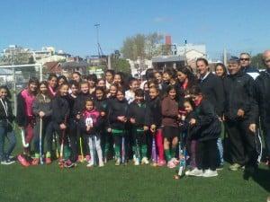 Jorgelina Bertoni dictó una clínica de hockey en Independiente