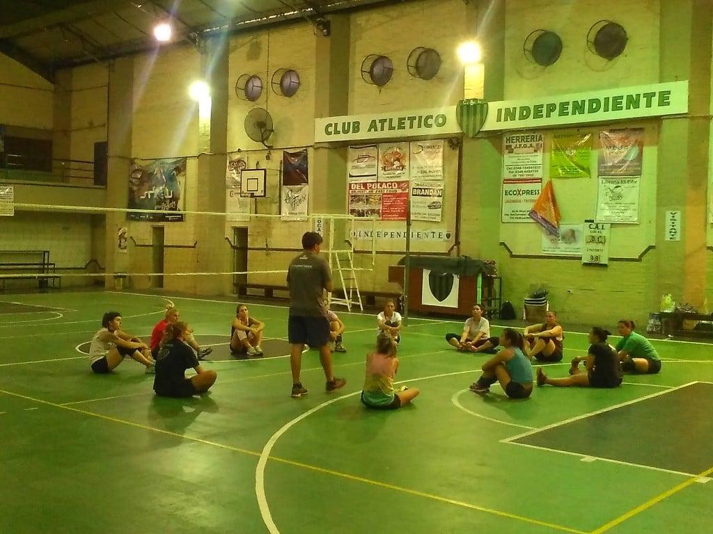 VOLEY: Ariel Verón, nuevo entrenador de la primera del CAIDE