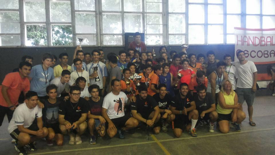 Fin de semana positivo para el handball escobarense
