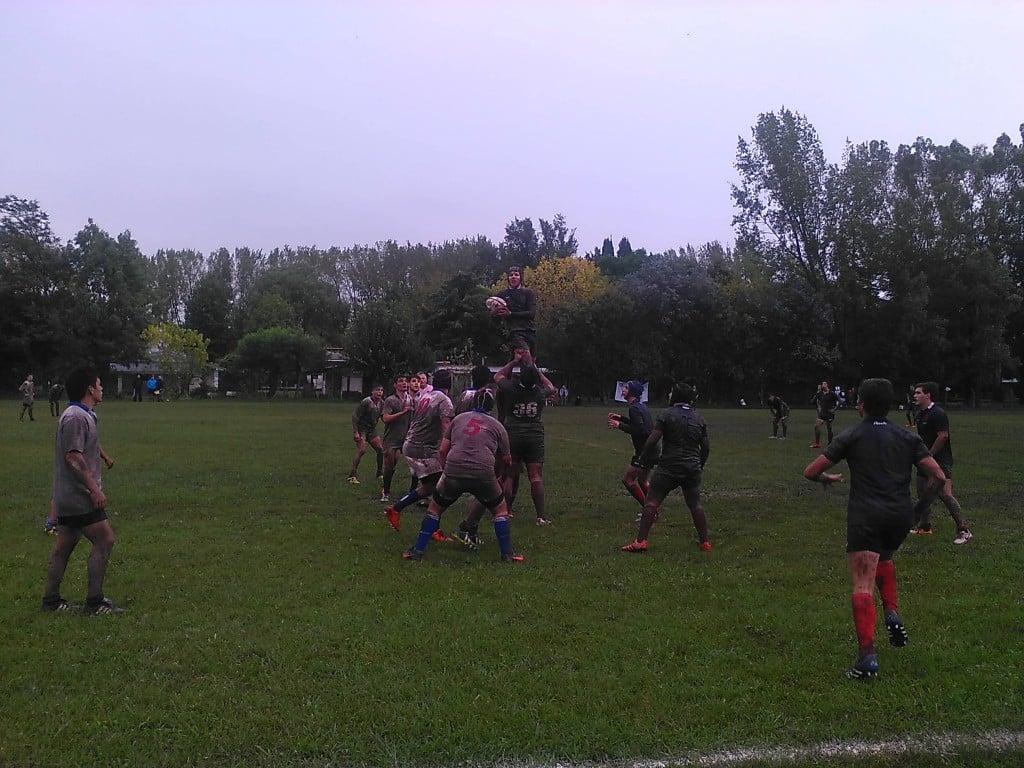 Italiano cosechó buenas y malas en el Rugby