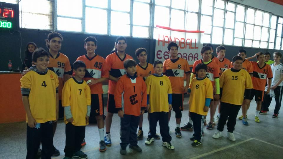 Handball: Escobar volvió al triunfo en inferiores