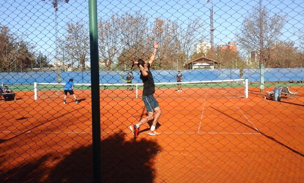 CAIDE en el parque, no pudo completar una buena tarde de tenis