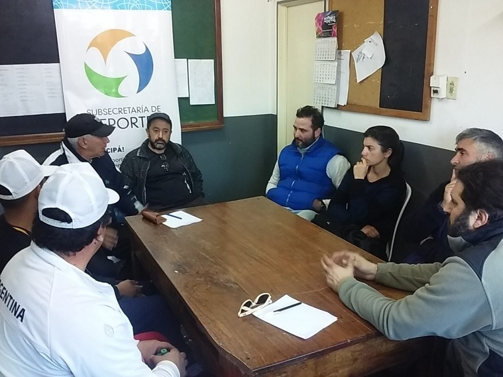 Encuentro para promover y difundir la práctica de tenis en el distrito