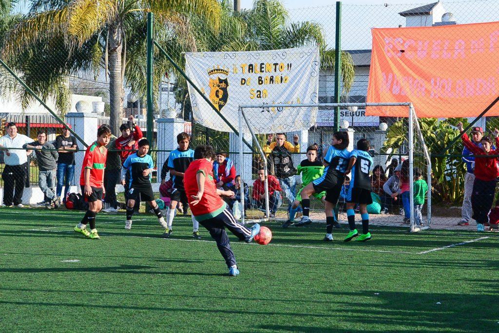 """Club Deportivo Bedoya y Gremio de Maschwitz campeones del 1° Mundialito """"Escobar Florece"""""""
