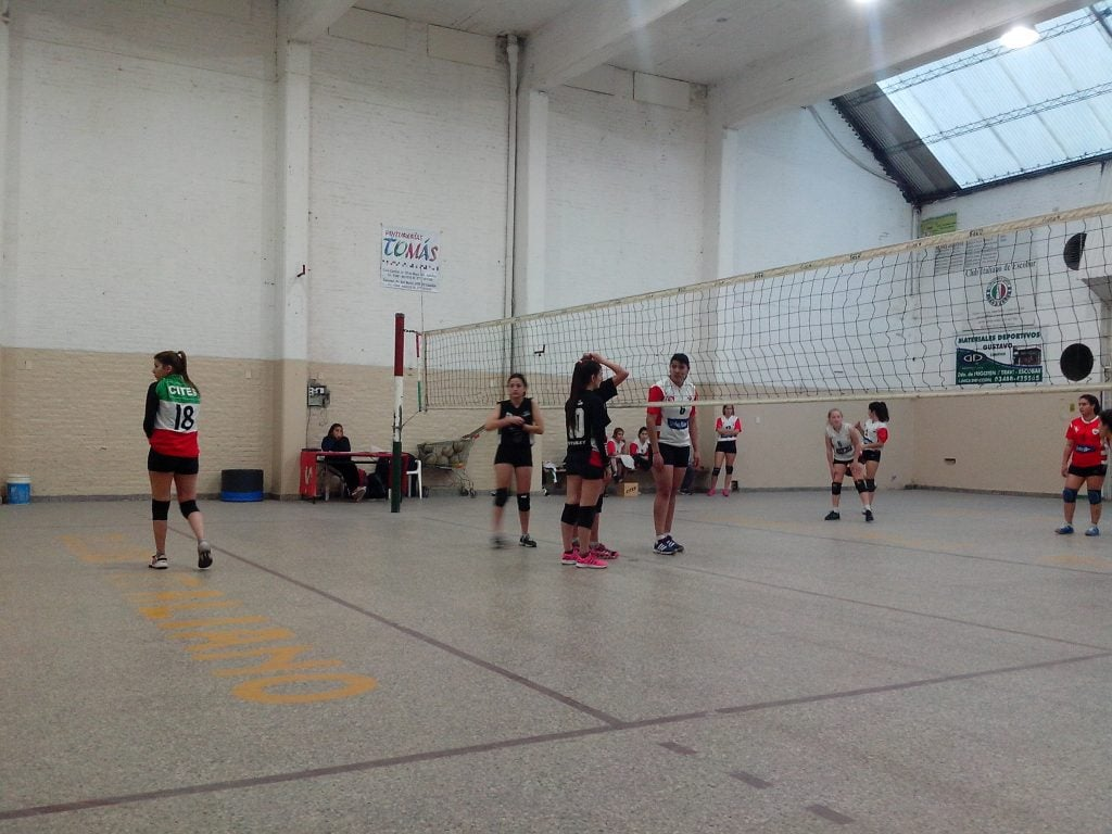 Fin de semana dispar para las inferiores de voley