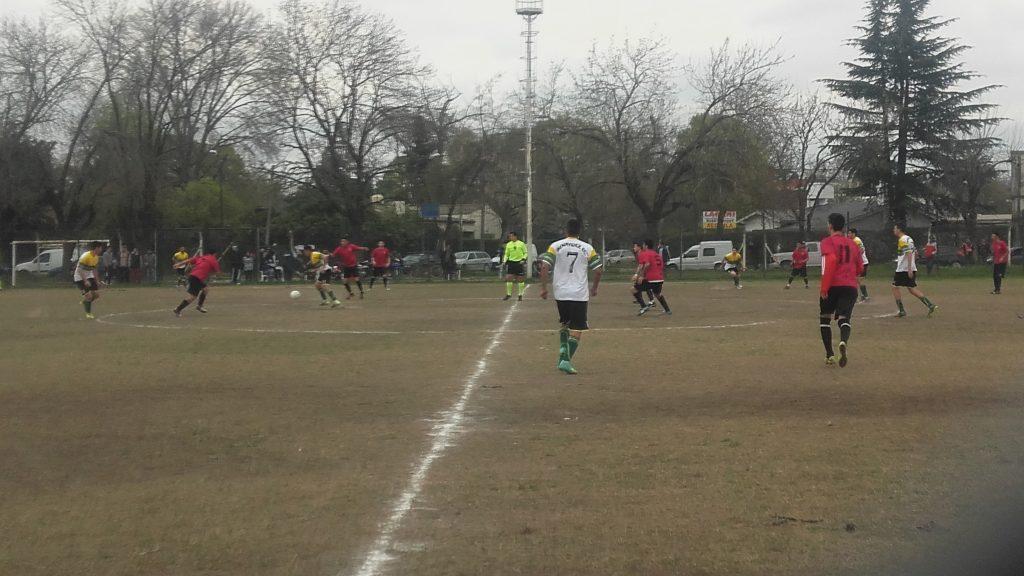 Atlético Escobar venció a Benavídez FC