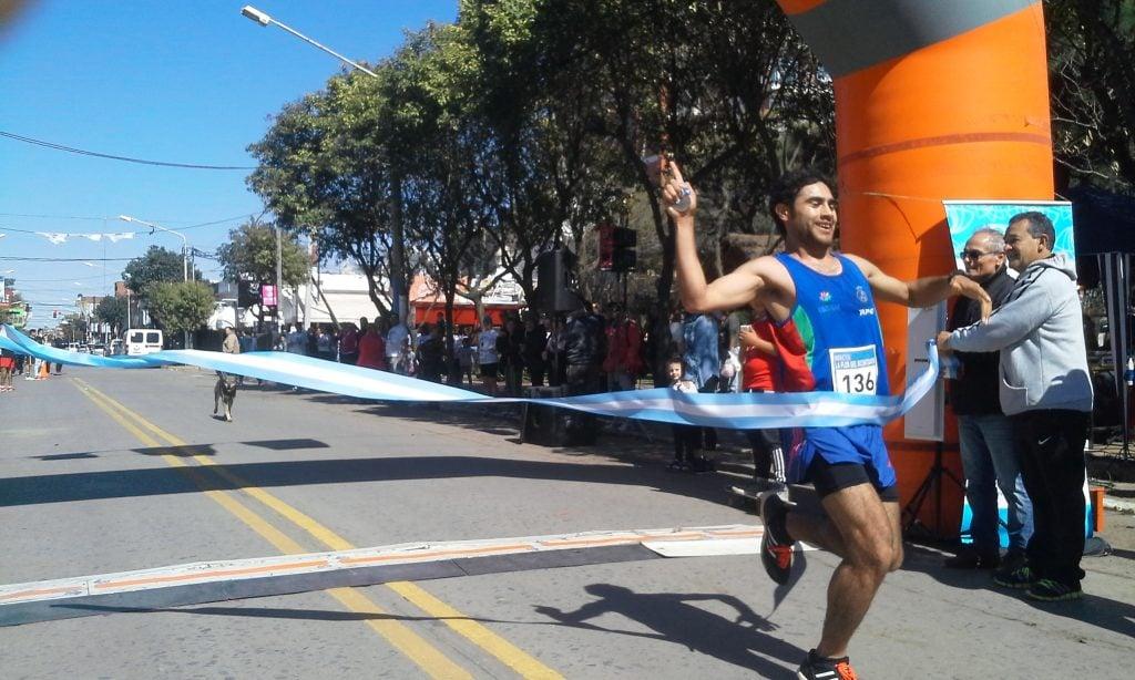 """La Maratón """"Flor del Bicentenario"""" fue un éxito"""