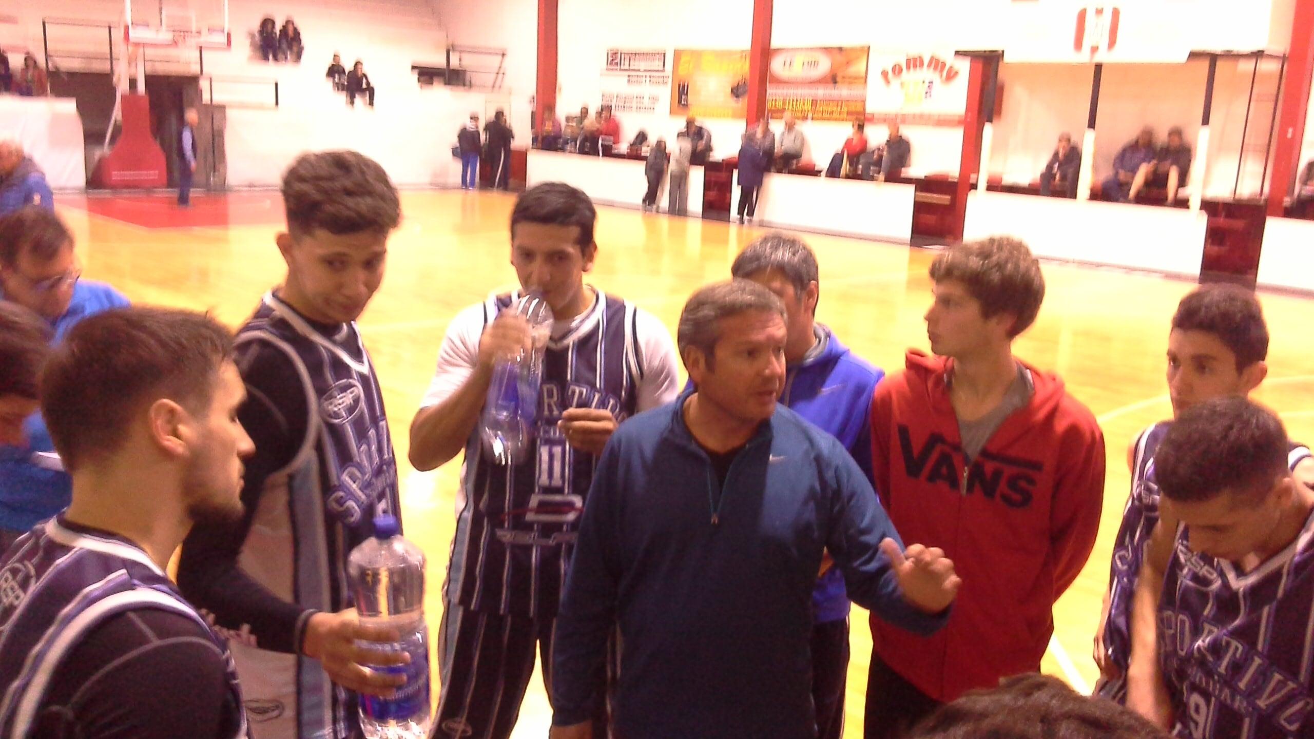 Gabriel Marcato, en la charla previa al inicio del partido
