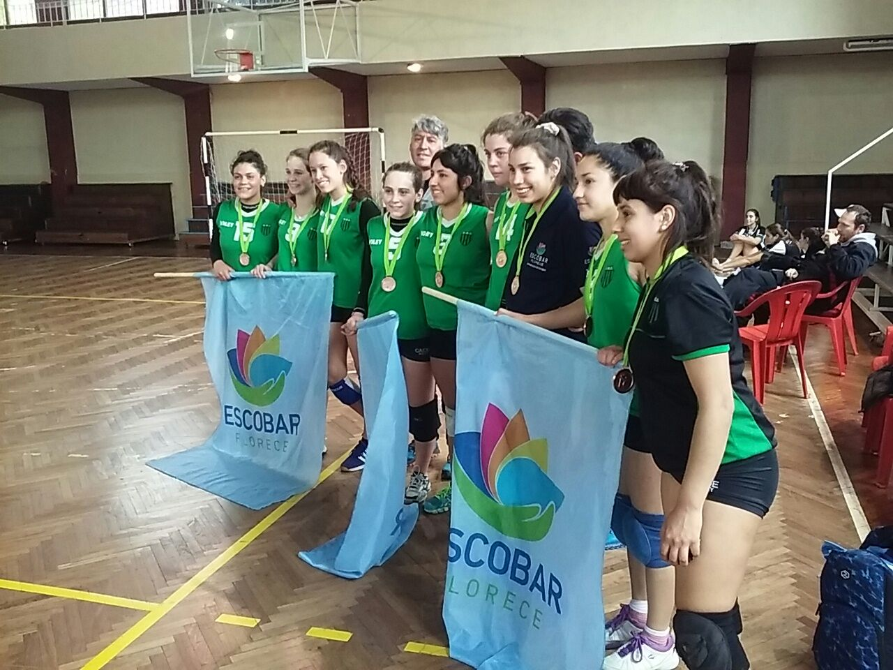 Equipo de Independiente de Escobar - Bronce en vóley