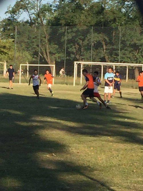 El fútbol de Sportivo prueba jugadores pensando en lo que viene