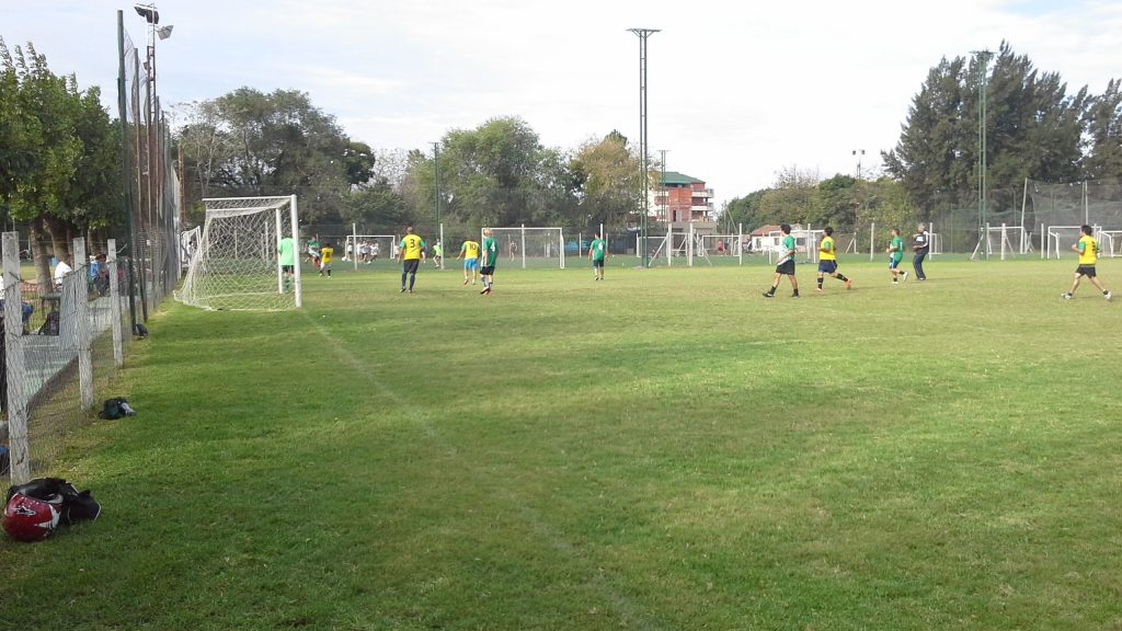 El campeonato de fútbol para socios, un clásico en el club verdinegro