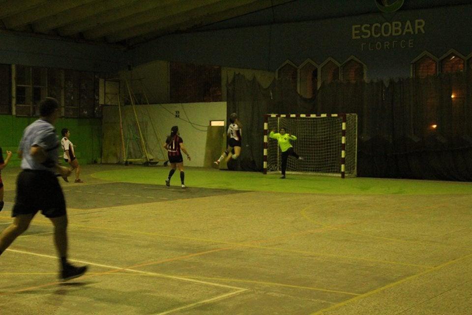 Handball: Gran victoria de las damas