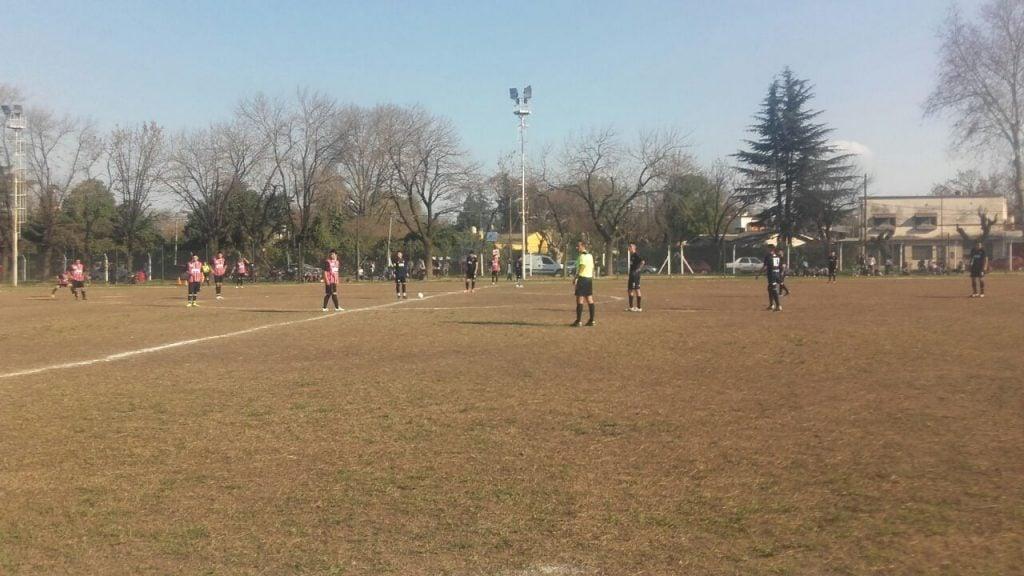 Sin hacer demasiado, Don Torcuato venció a Escobar FC