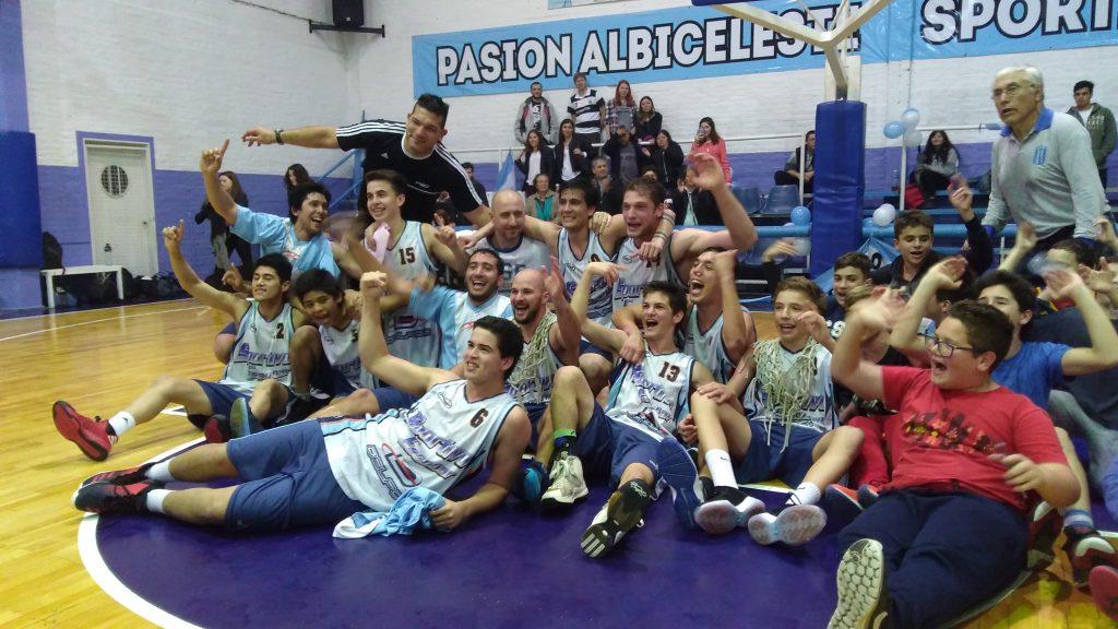 Invictos, los chicos de Sportivo Escobar B gritaron ¡Campeones!