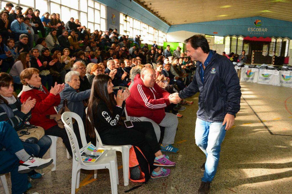 Juegos Bonaerenses: la delegación escobarense fue despedida por el Intendente