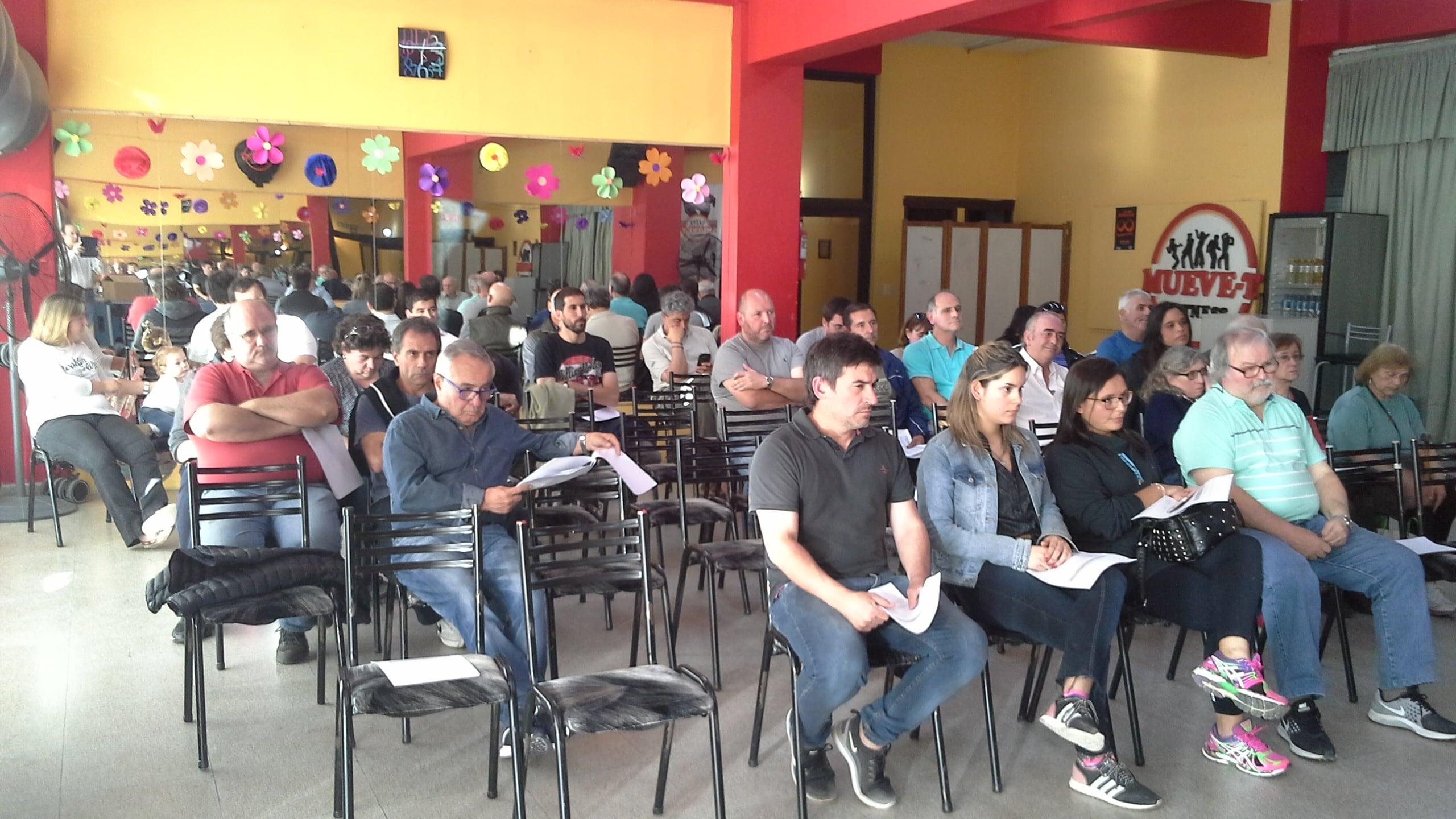 Un importante número de socios participó de la Asamblea en Italiano