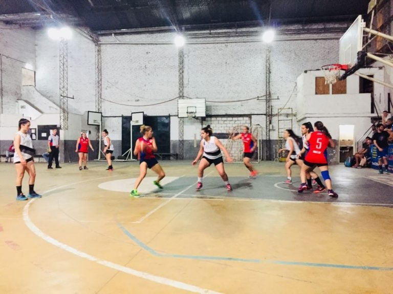 El básquet femenino de Arenal vivió una intensa jornada