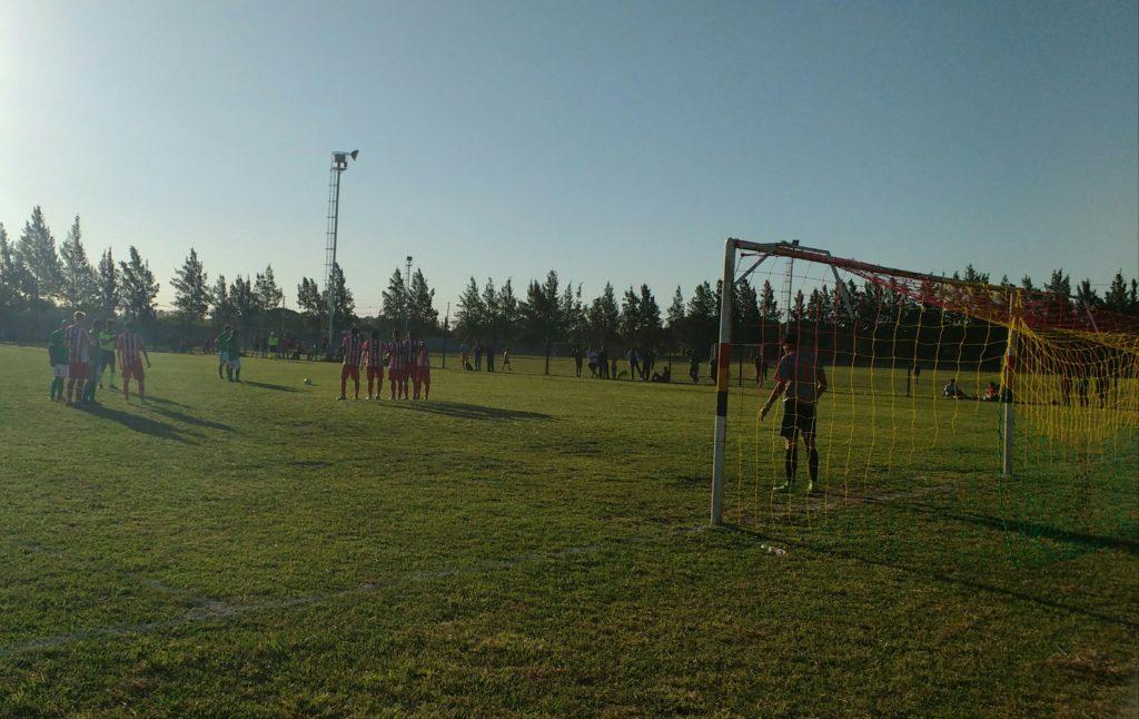 Duro traspié de la Colectividad Boliviana ante Atlético Pilar