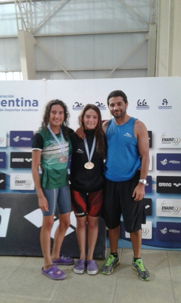 Candela Nieves, campeona  y Macarena Giménez, subcampeona en 200 metros pecho