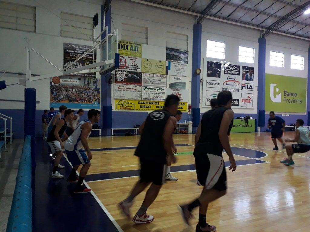 Sportivo Escobar, regreso a los entrenamientos con la ilusión de terminar con el dos de la zona.
