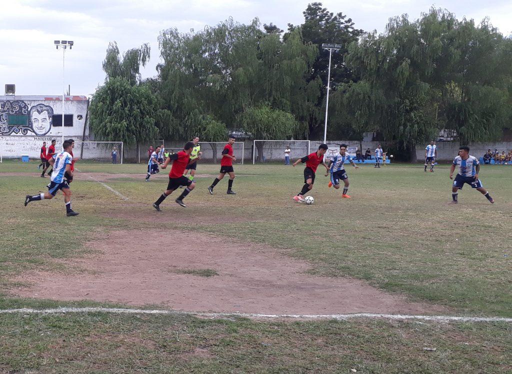Sportivo Escobar goleó en su presentación del 2018