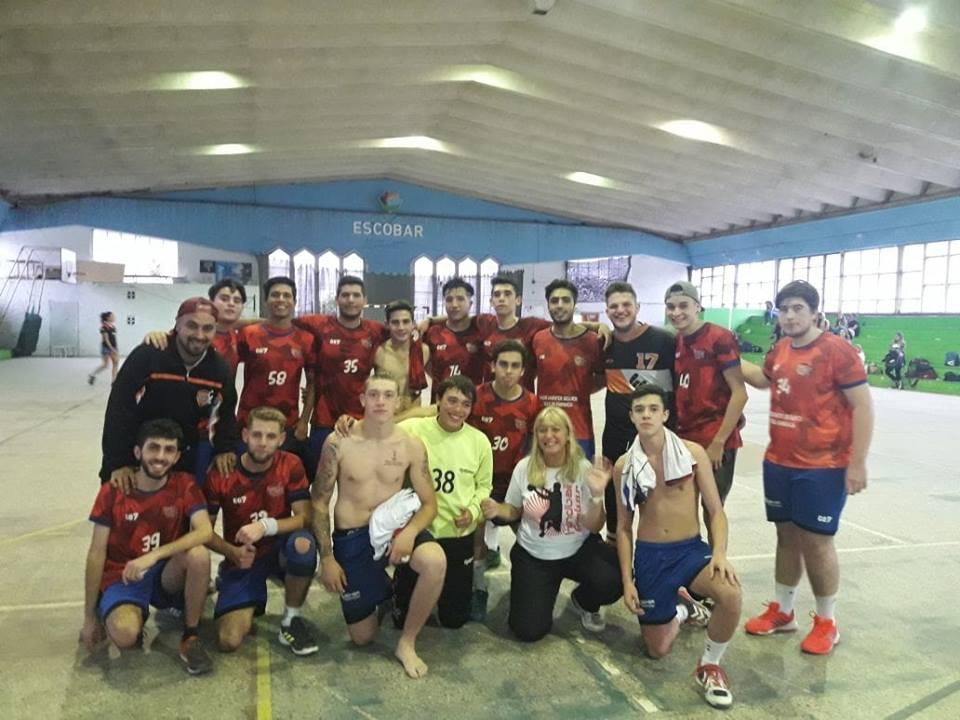 Handball: envión anímico para Escobar en inferiores