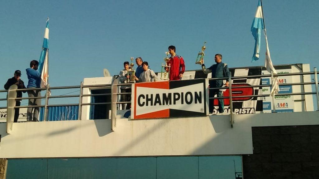 Federico Santucci,  ganó  en La Plata y lidera el campeonato del TC del Oeste