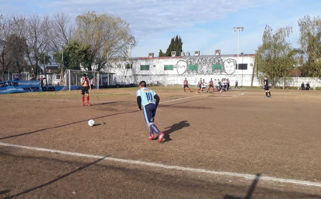Sportivo Escobar igualó en el Clásico