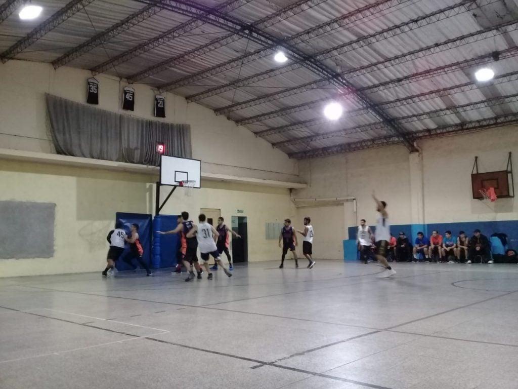 Boca del Tigre revivió y le arrebató la victoria al Polideportivo de Garín