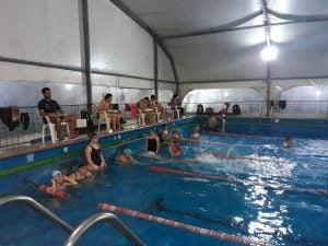 Gran convocatoria en el Torneo con relevos que organizo la Escuela de Natación