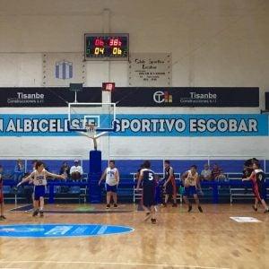 Arenal se quedó la tira ante Sportivo Escobar