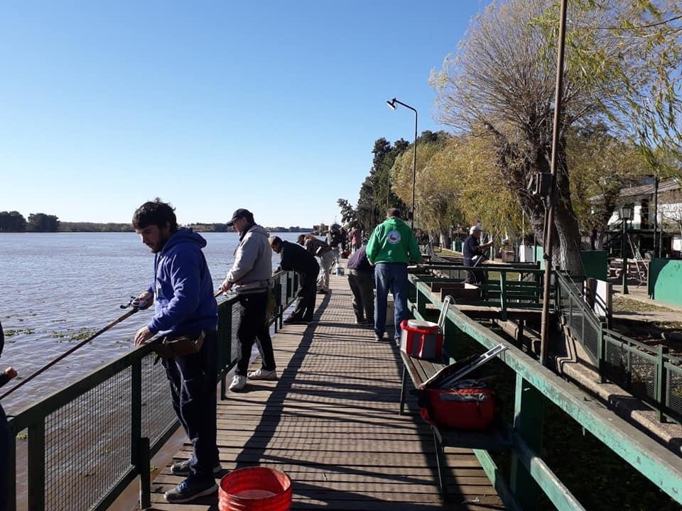 Gran convocatoria en el concurso un pescado un punto en el club de Pescadores
