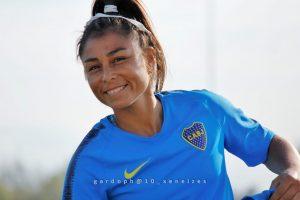 """Fabiana Vallejos: """"me encanta que las chicas puedan elegir jugar al futbol sin ningún prejuicio"""""""