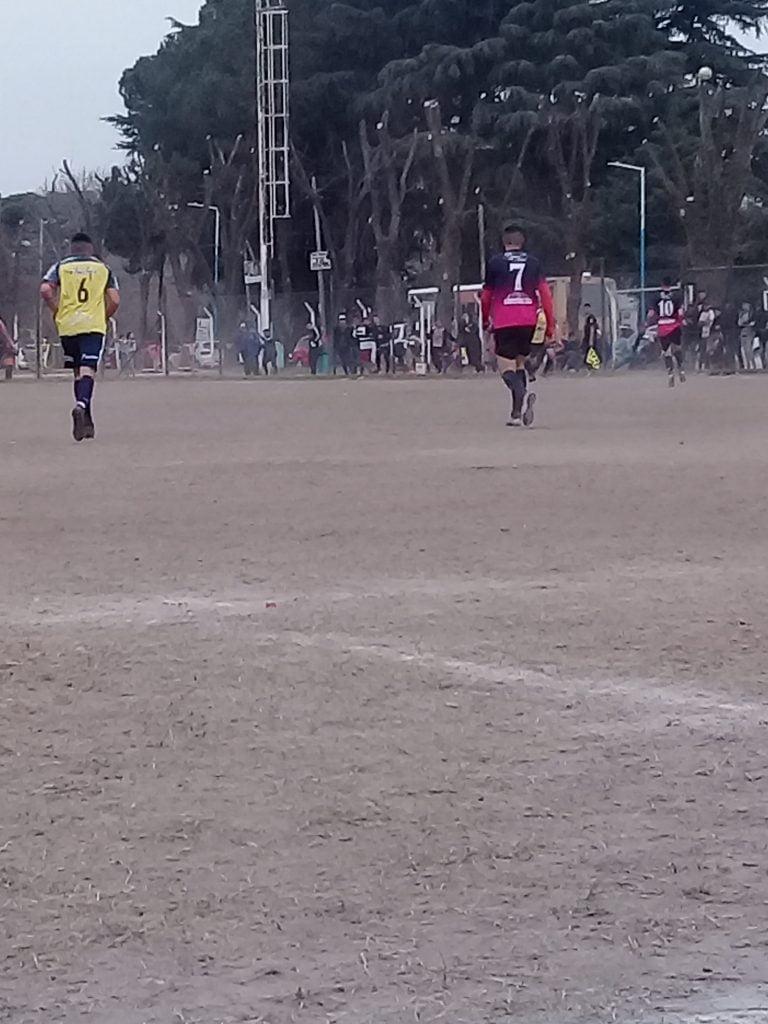 Atlético Escobar rescató un punto de oro