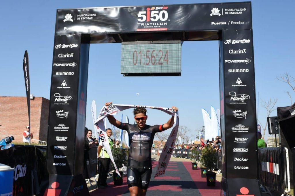 Triunfo de Flavio Morandini  en el Triatlon 5150 de Escobar