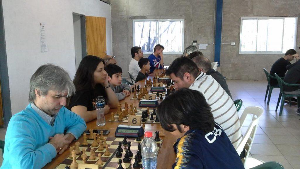 Gustavo Medina ganó el Torneo 56° Aniversario del Circulo de Ajedrez de Escobar
