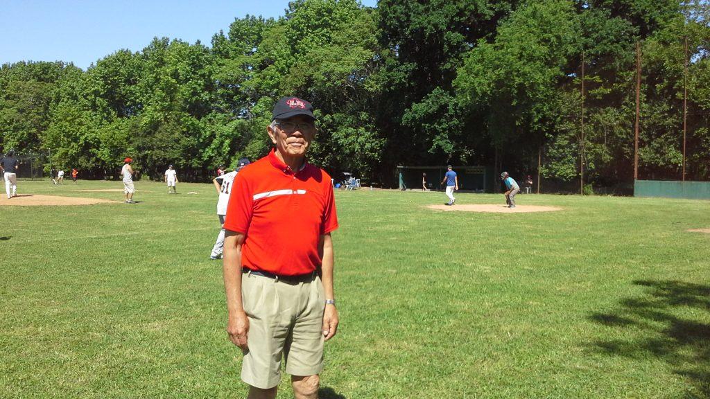 """La Asociación Japonesa, impuso el nombre de """"Humberto Koike"""" a su cancha de beisbol"""