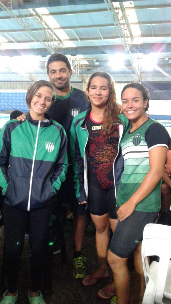Nadadoras juveniles de Independiente participaron del Nacional en el CENARD