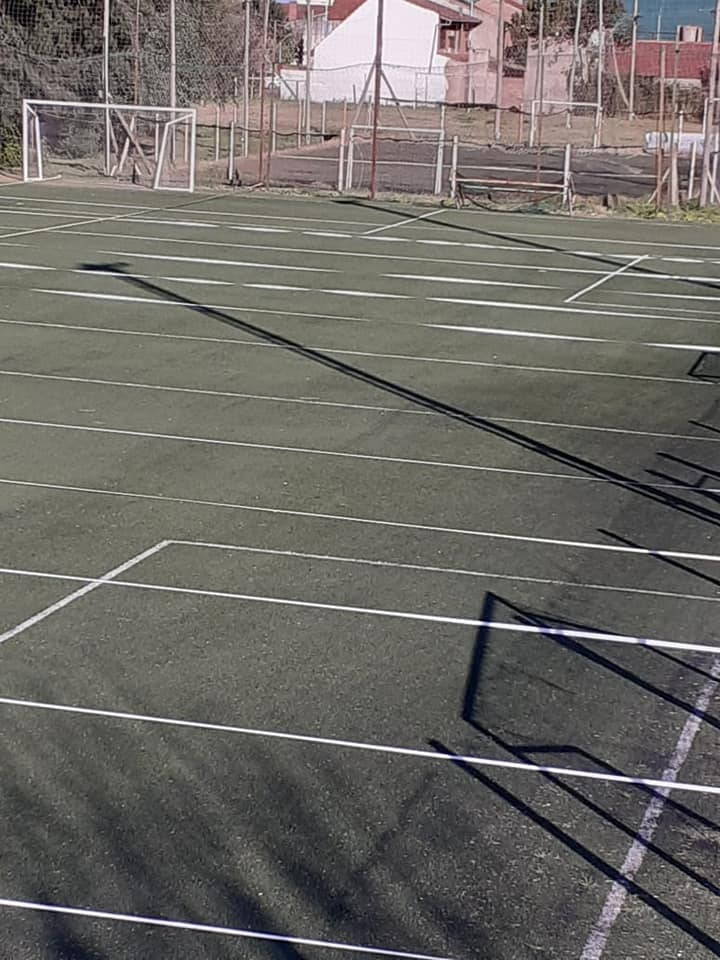 Con estrictos protocolos, CAIDE vuelve a los entrenamientos físicos en el campo de deportes