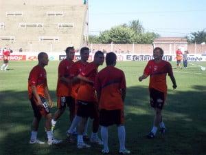 Los jugadores de Armenio, distendidos en la entrada en calor