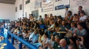 Gran respaldo del publico de Escobar al equipo