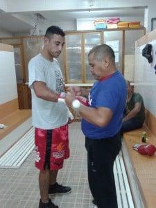 Verón preparándose para  salir al ring. (Foto: Facebook Mateo Damián Verón).