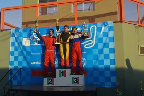Lucas sube al podio en la carrera con invitados en Zárate