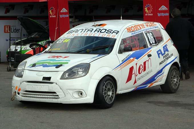 Auto de Martin Santoro que participa en clase 2 TC Pista