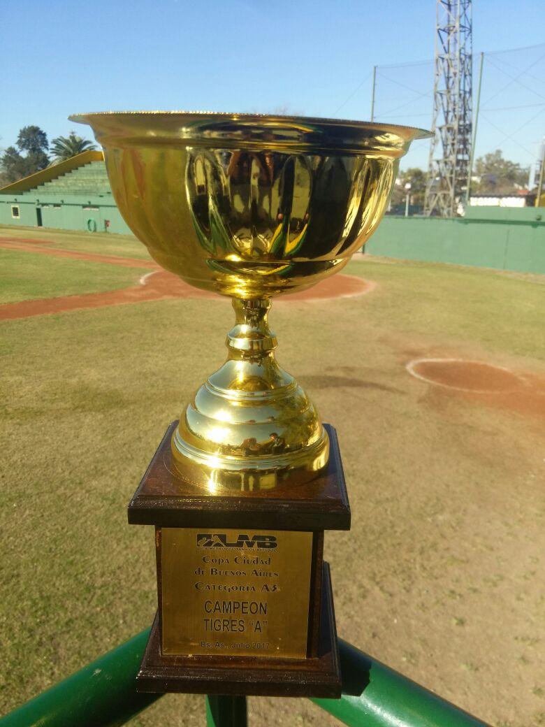 Copa ganada por Los Tigres Beisbol, como campeones de la A3 LMB